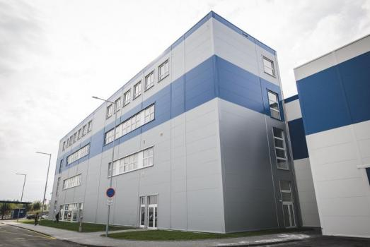 A new plant producing aluminium bars opens in Bruntál
